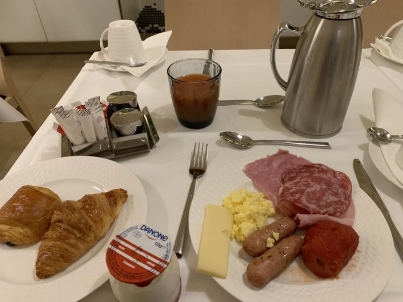 ホテルデュミニー朝食