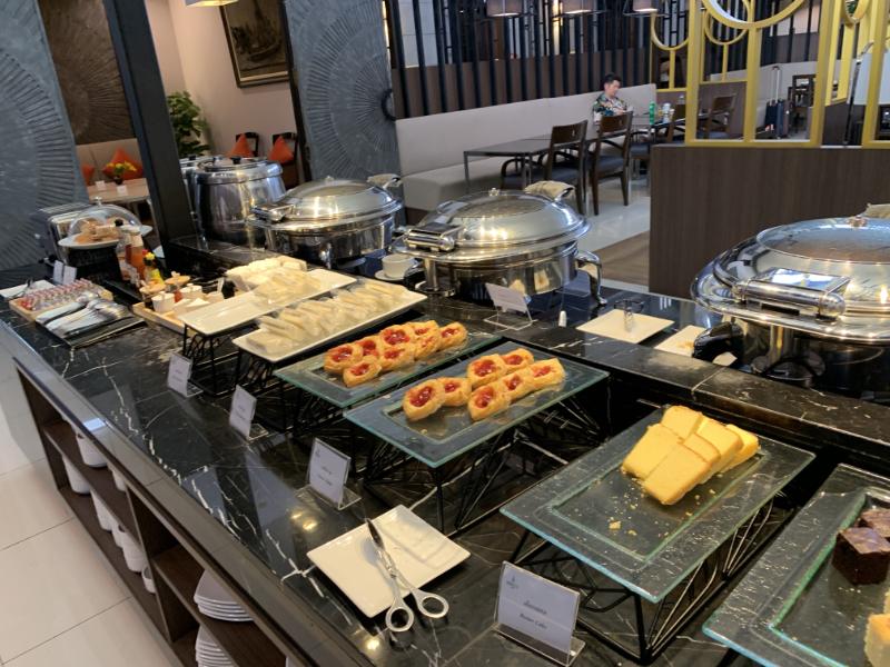 ドンムアン空港ミラクルラウンジ食事