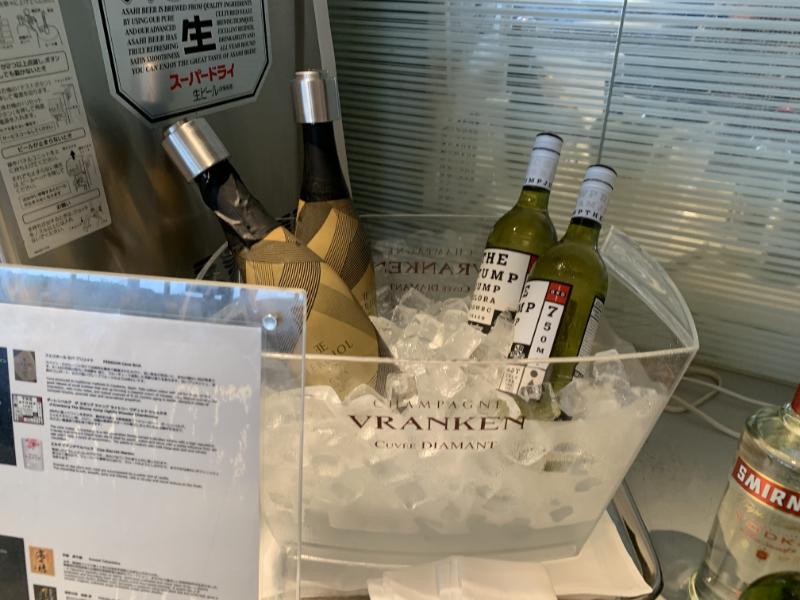 成田空港ANAラウンジワイン