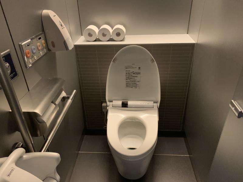 ANAラウンジトイレ