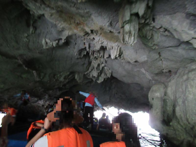 ハロン湾洞窟探検