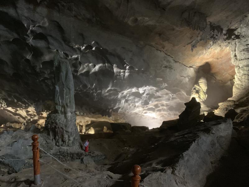 ハロン湾スンソット洞窟