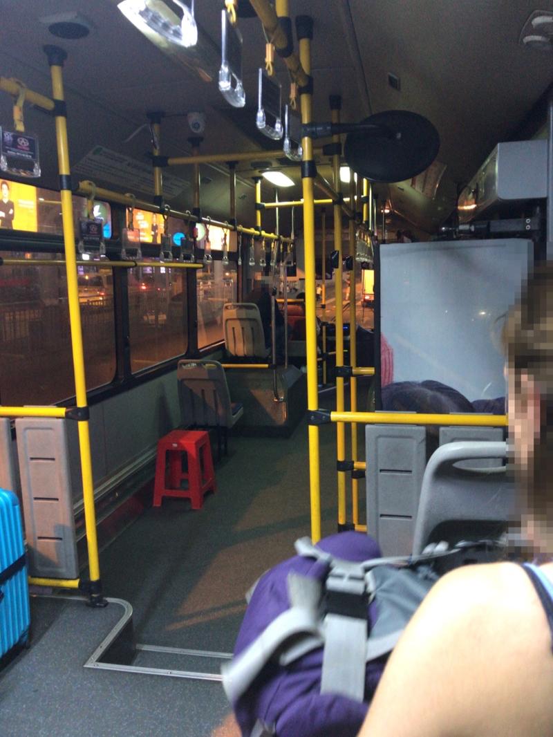 109番バス 車内