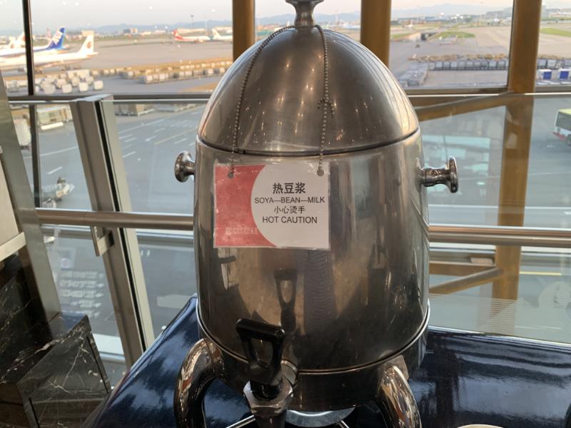 中国国際航空ラウンジドリンク
