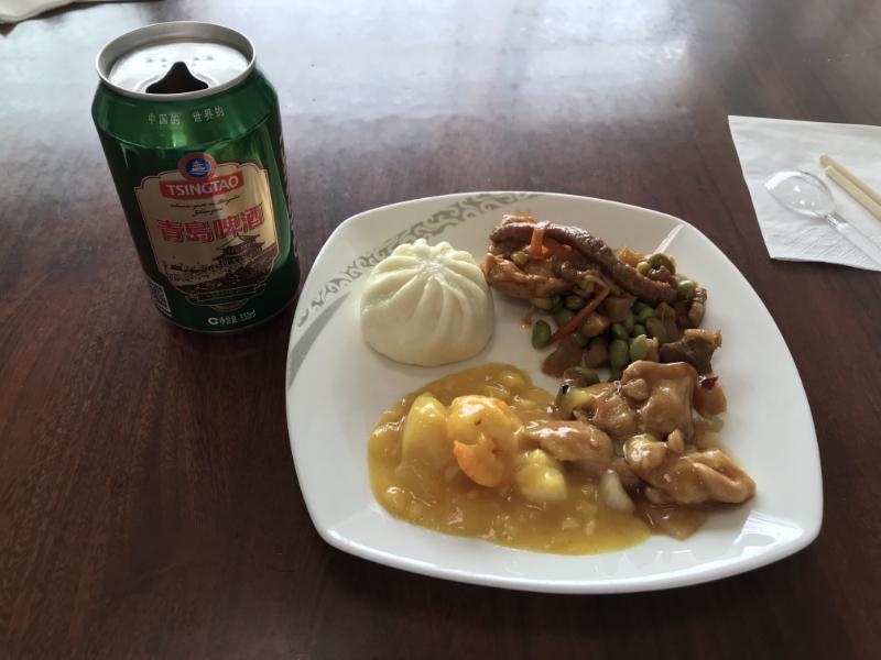 中国国際航空ラウンジ食事