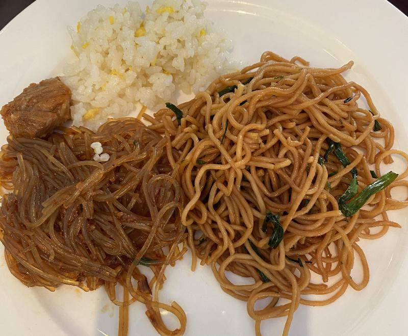 浦東国際空港ファーストクラスラウンジ37食事