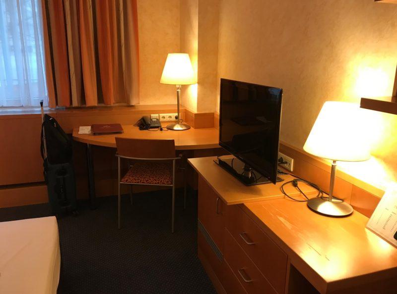ホテル アンド パレ シュトルドルホフ